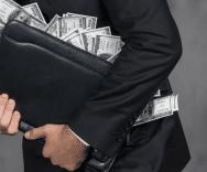 Spese anticipate per richiedere un prestito? Sono illegali